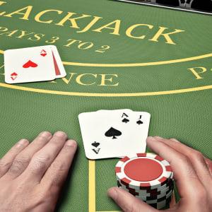 차이점을 아십시오: 블랙잭 대 포커!